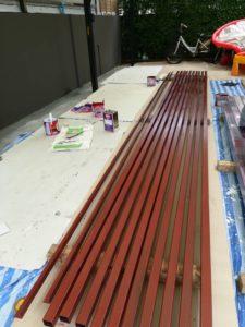 งานติดตั้งรั้วโครงเหล็กไม้ระแนง SCG แบบลบมุม 14