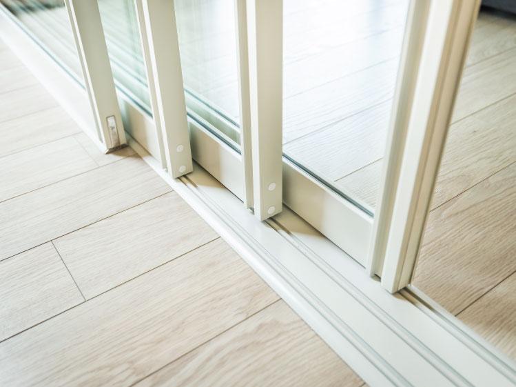 เลือกรูปแบบประตูหน้าต่างให้ตอบโจทย์ 10