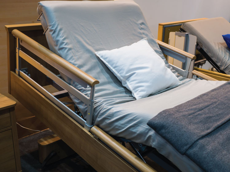 ห้องนอนที่ปลอดภัยใช้งานสะดวกสำหรับผู้สูงอายุ 18