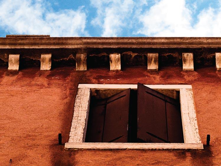 เลือกรูปแบบประตูหน้าต่างให้ตอบโจทย์ 18