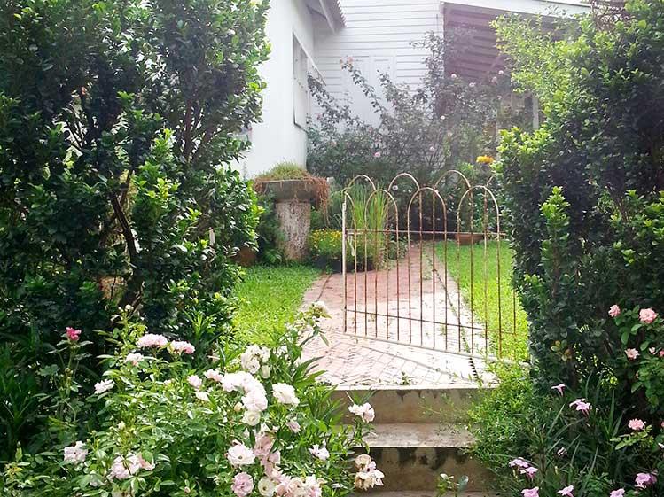 6 วิธีจัดสวนสวยทิศตะวันตก คลายร้อนให้บ้านเย็น 4