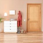 ประตูไม้สน ทางเลือกน่าสนสำหรับประตูภายในบ้าน